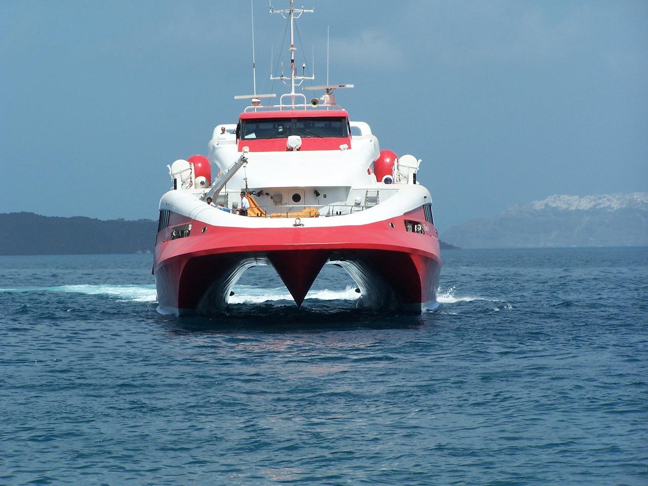 Új hajó jön Santorinire