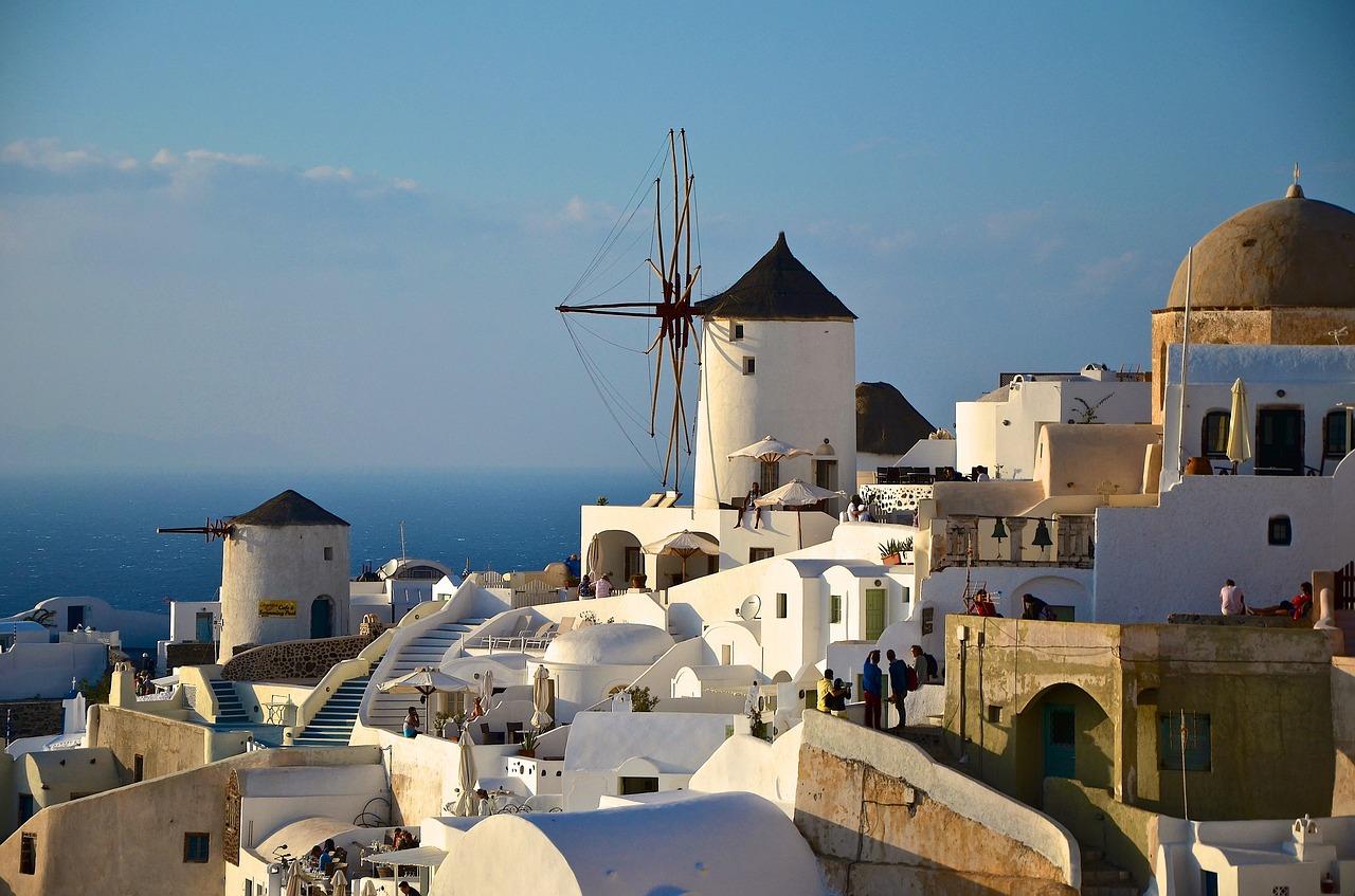 új ötcsillagos szálloda nyílt Santorinin