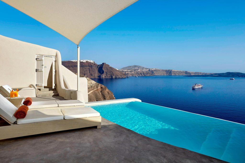 A legszebb medencék Santorinin
