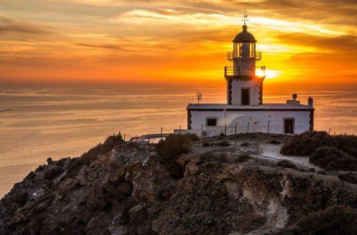 Santorini küzdenek a látogatók nagy száma ellen