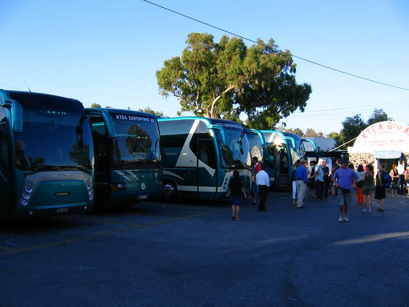 Kijelzők lesznek Santorinin a buszmegállókban