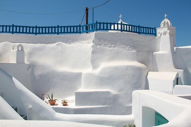 Miért fehérek a házak Santorinin