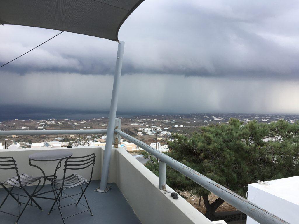 Santorini októberben: eső
