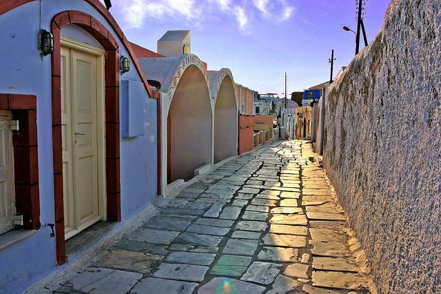 Irány Santorini! Kihalt utcák a szigeten