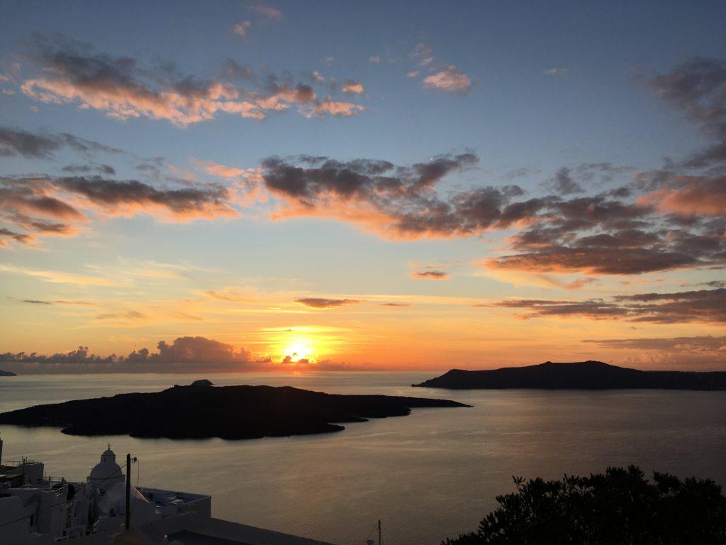 Földfrengés utáni naplemente