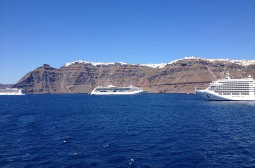 Óceánjáróval Santorinire