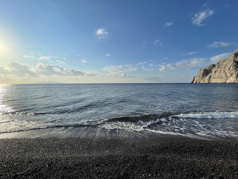 Santorini látnivalói - Kamari, fekete part